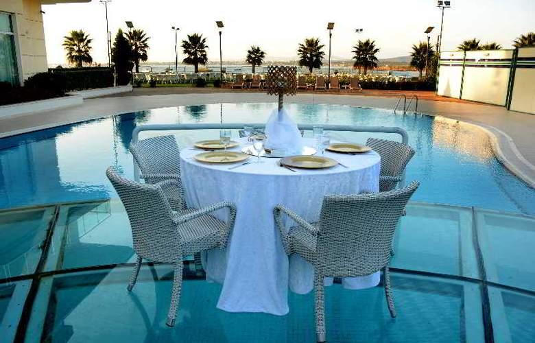Hegsagone Marine Asia Hotel - Pool - 8