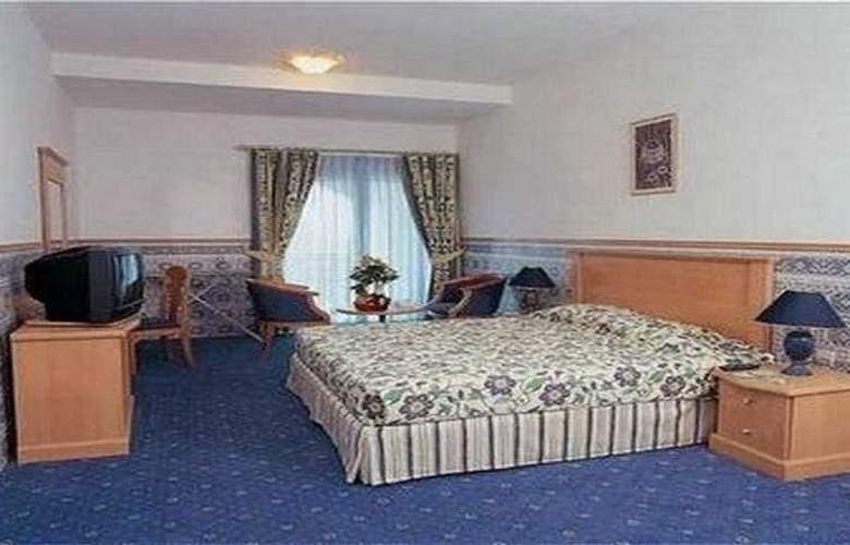 Landmark Plaza - Room - 3