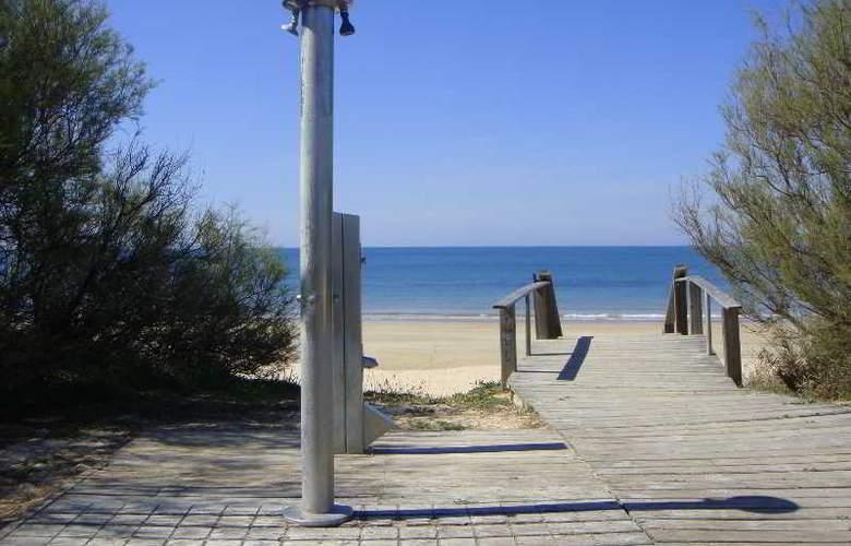 Sun & Life Costa Ballena - Beach - 19