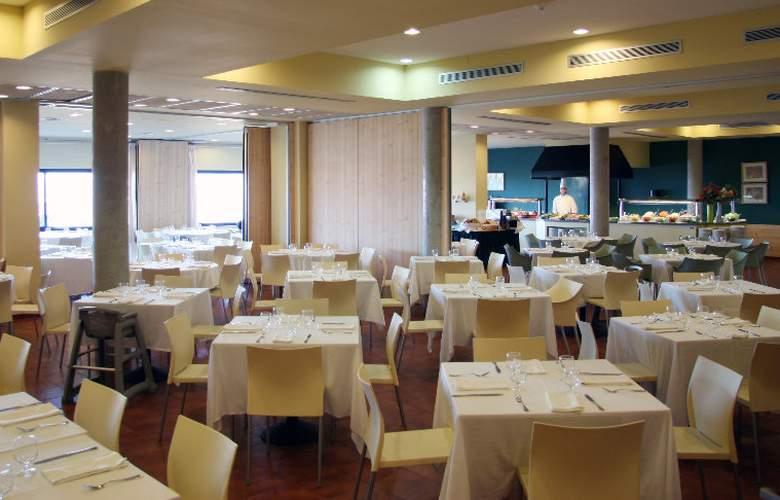 Vilar Rural de Cardona - Restaurant - 16