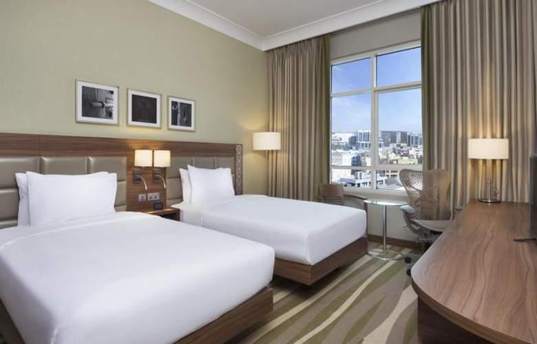 Hilton Garden Inn Dubai Al Muraqabat Hotel - Room - 2