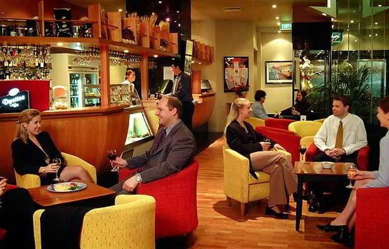 Grand Chancellor Melbourne - Bar - 5