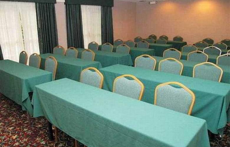 La Quinta Inn & Suites St Louis / Westport - Conference - 6