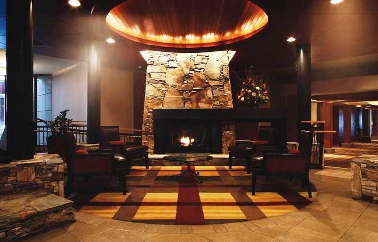 Hilton Whistler Resort & Spa - General - 2