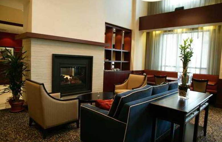 Hampton Inn and Suites by Hilton Laval - Hotel - 6
