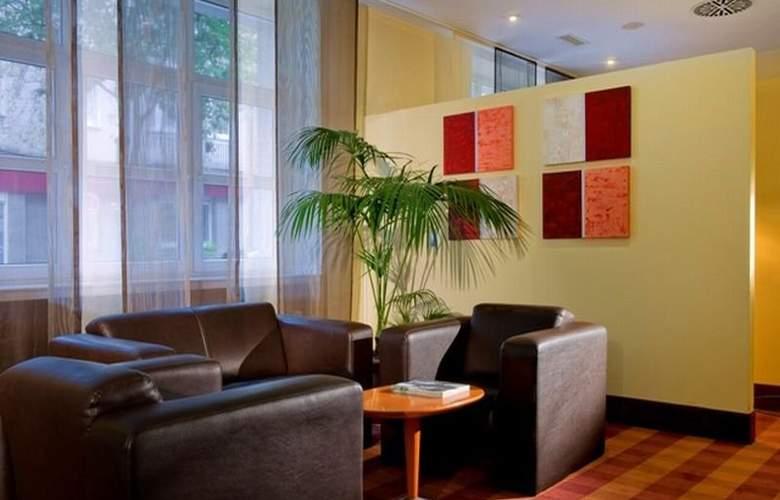 Wyndham Garden Duesseldorf City Centre Koenigsallee - General - 1
