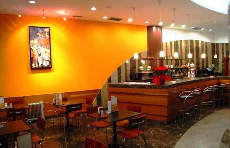 Cosmos Hotel - Bar - 5