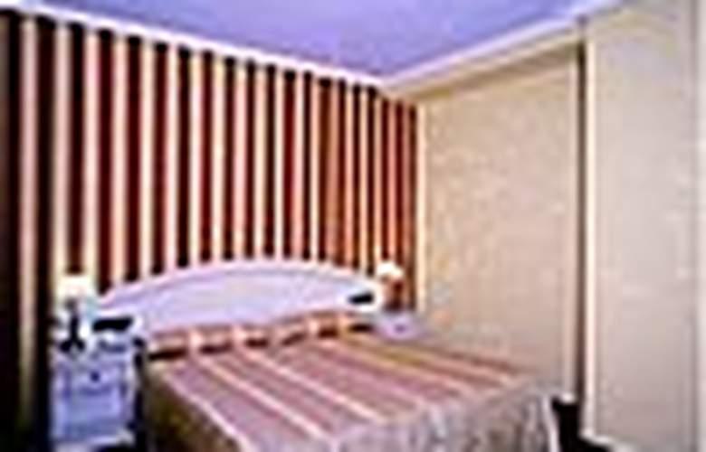 Conde Ansurez - Room - 0