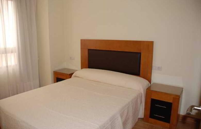 Apartamentos Avenida de Valencia - Room - 3