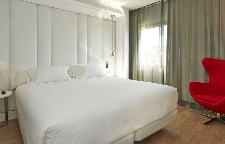 NH Collection Barcelona Gran Hotel Calderón - Room - 12