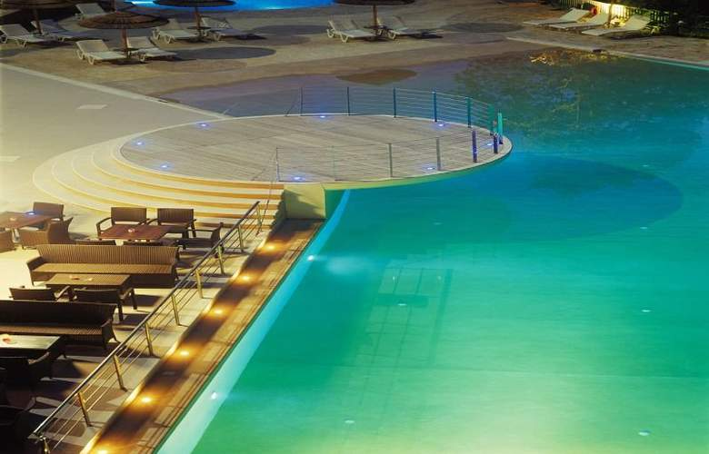Ariti Grand Hotel - Pool - 2