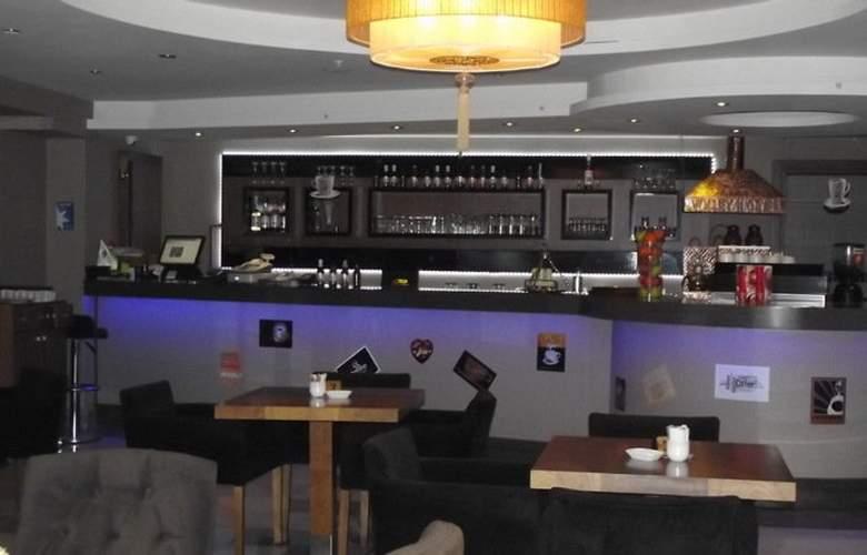 Volley Hotel Istanbul - Bar - 4