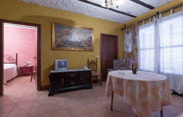 Palacio Guzmanes Hospederia Rural - Room - 17