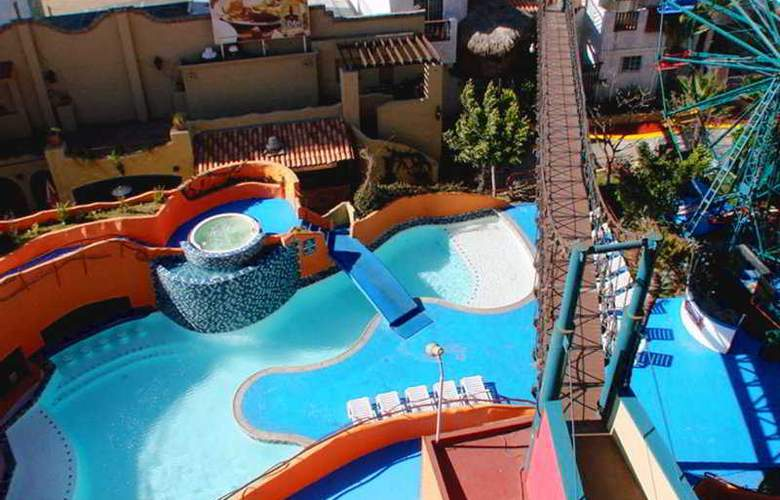 Festival Plaza Rosarito - Pool - 12