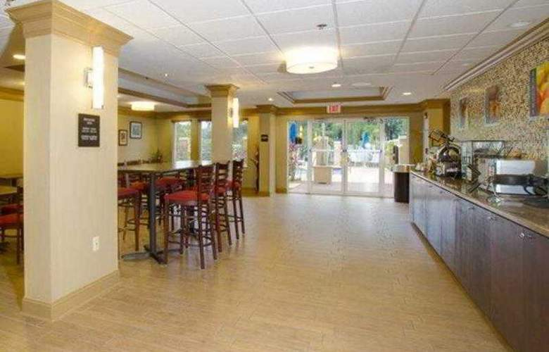 Best Western Plus Bradenton - Hotel - 22