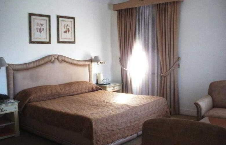 Ritz - Room - 5
