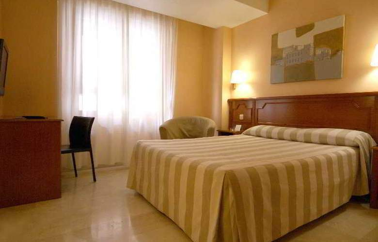 Pamplona Plaza - Room - 4
