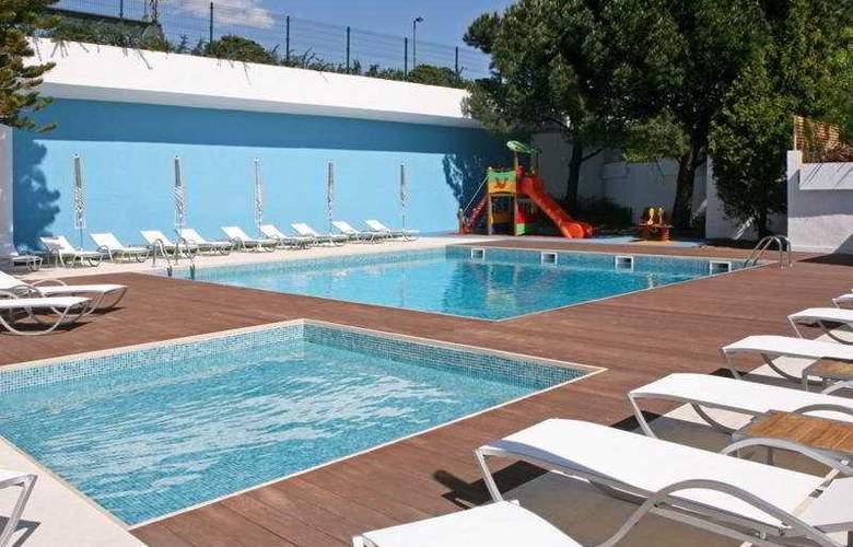 Novotel Lisboa - Pool - 6