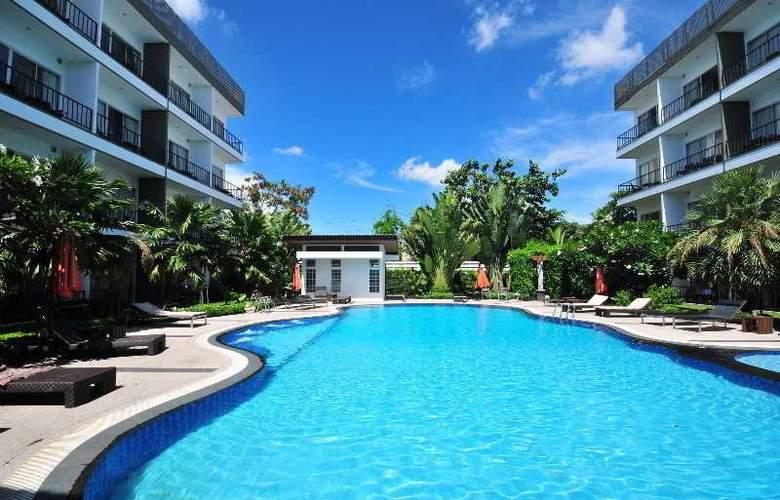 BS Premier Airport Hotel - Pool - 6