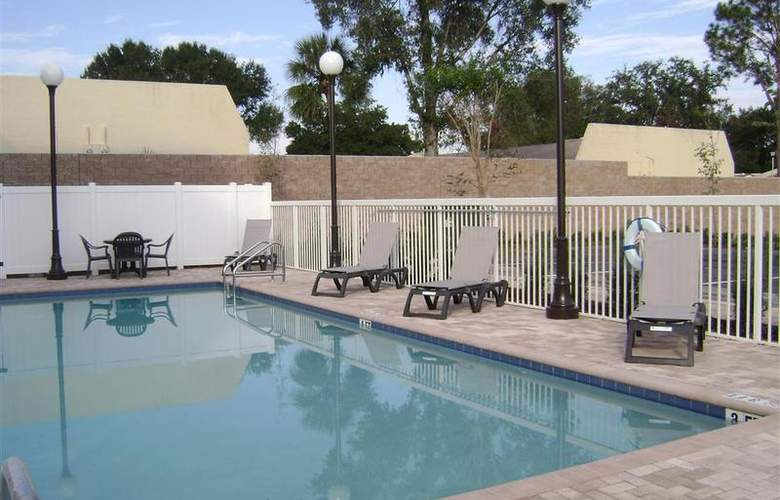 Best Western Plus Chain Of Lakes Inn & Suites - Pool - 55
