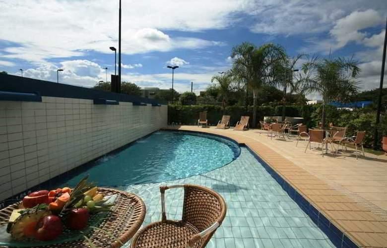 Comfort Hotel Uberlandia - Pool - 9