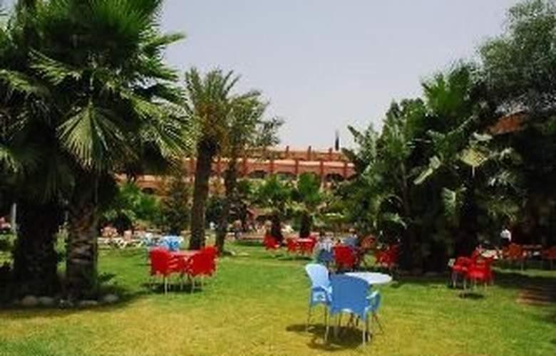 Le Zaki Hotel - Terrace - 9