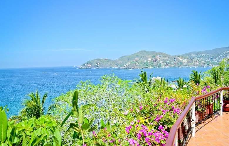Catalina Beach Resort - Terrace - 54
