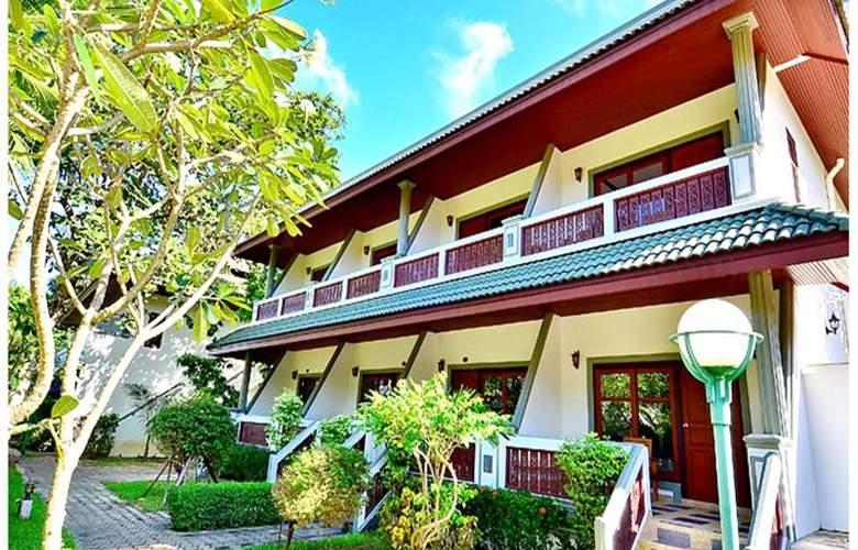 First Bungalow Beach Resort - Hotel - 15