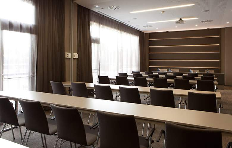 AC Hotel Sant Cugat by Marriott - Conference - 17