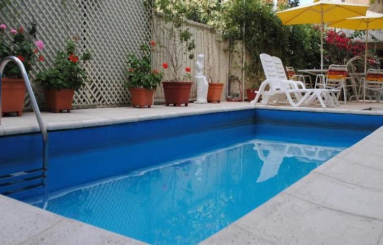 Paradise Departamentos - Pool - 1