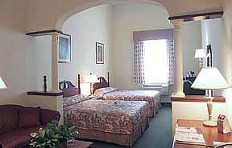 Comfort Suites Historic District - Room - 3