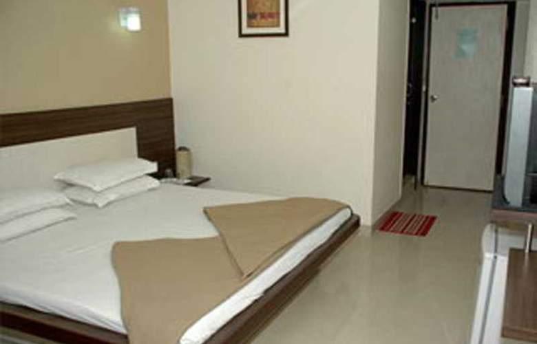 Savshanti Towers - Room - 1