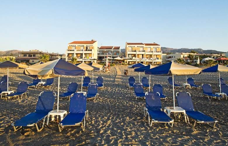 Iperion Beach - Hotel - 0