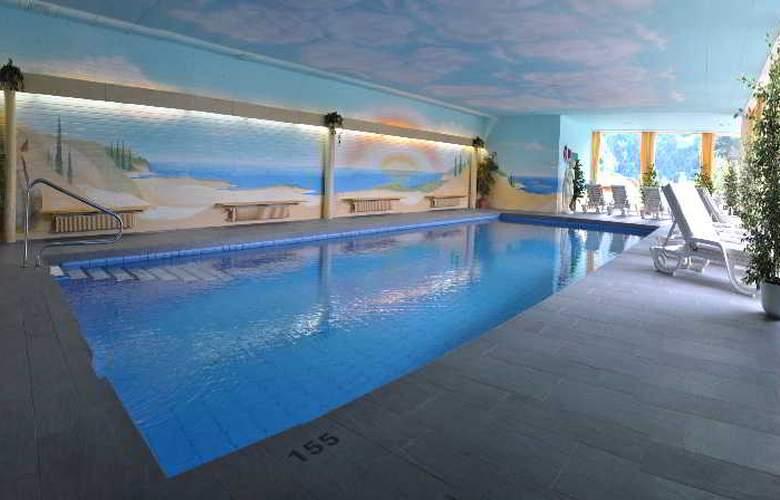 Romantik Schweizerhof - Pool - 10