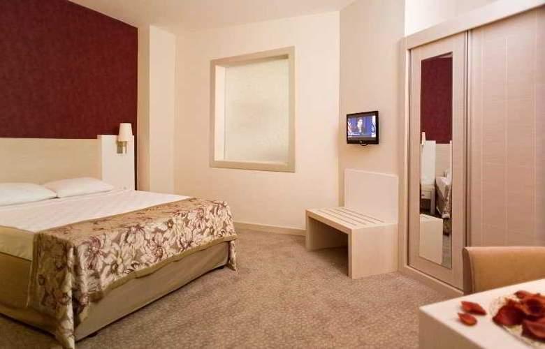 Lilyum Hotel - Room - 0