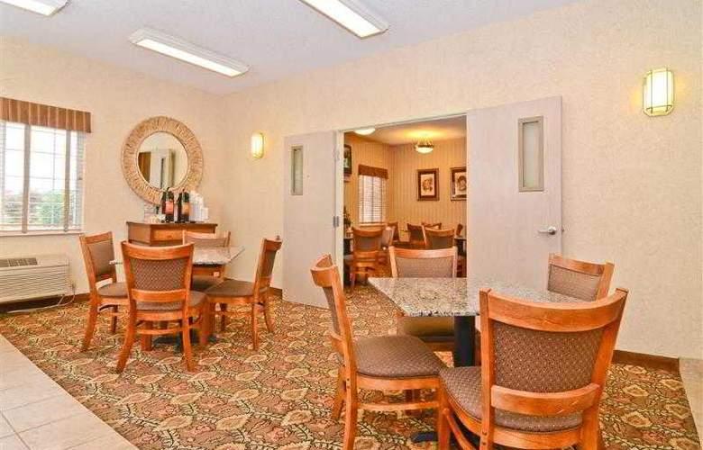 Best Western Plus Macomb Inn - Restaurant - 80