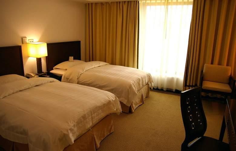 La Plaza - Room - 1