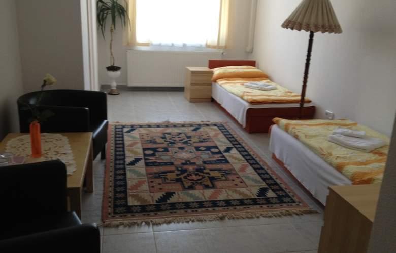 Timon - Room - 3