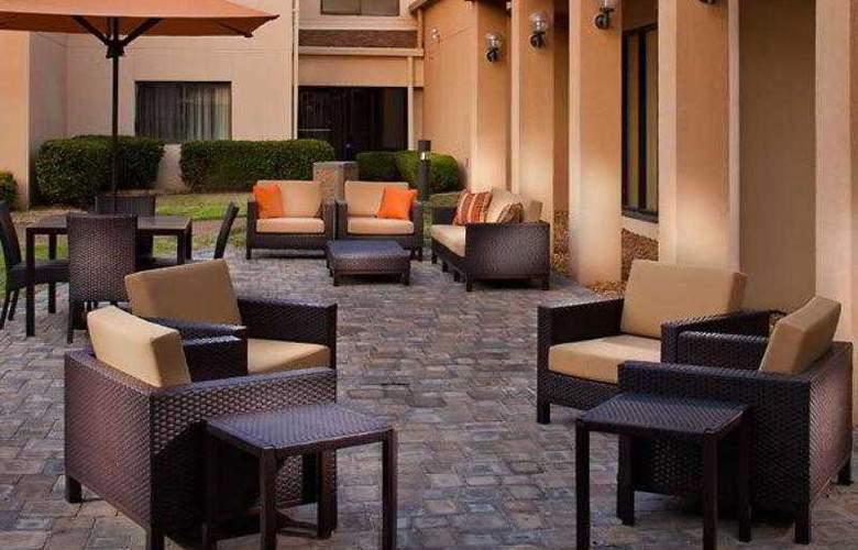 Courtyard Memphis Airport - Hotel - 13