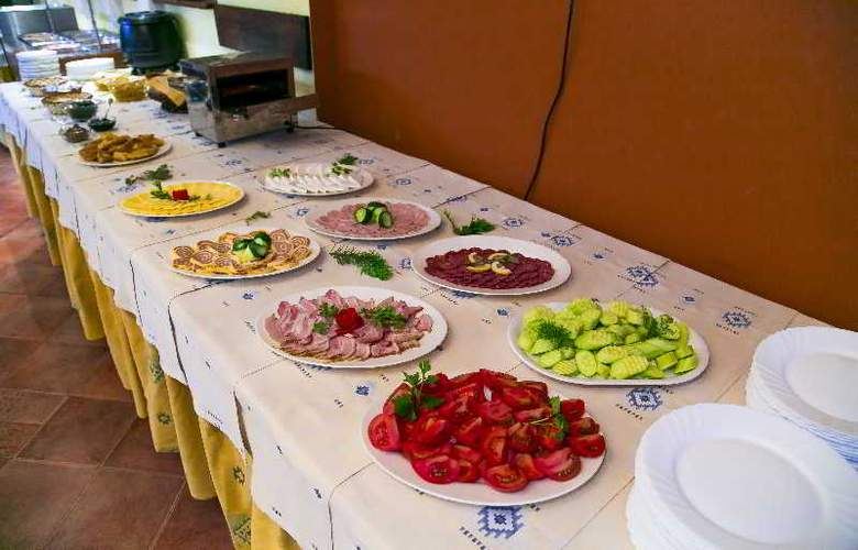 Spa Hotel Devin - Restaurant - 26