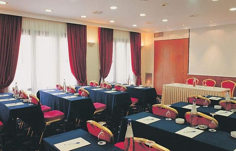 Minerva Premier - Conference - 30