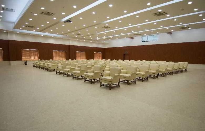 Ritz Victoria Garden - Conference - 27