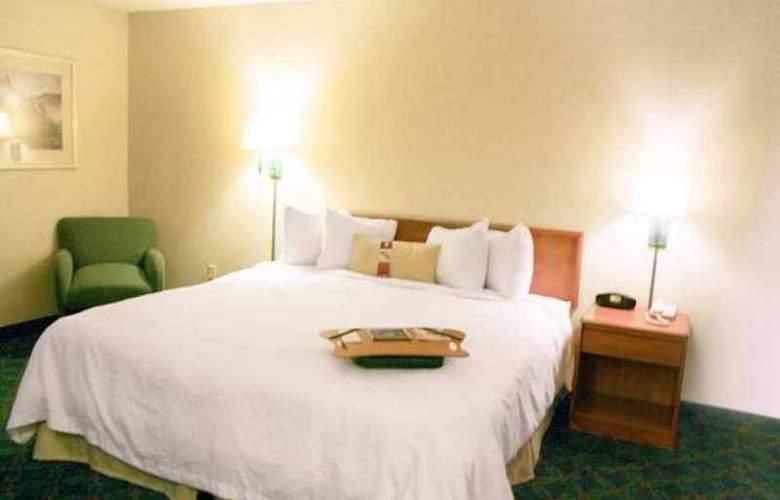 Hampton Inn Eugene - Hotel - 1