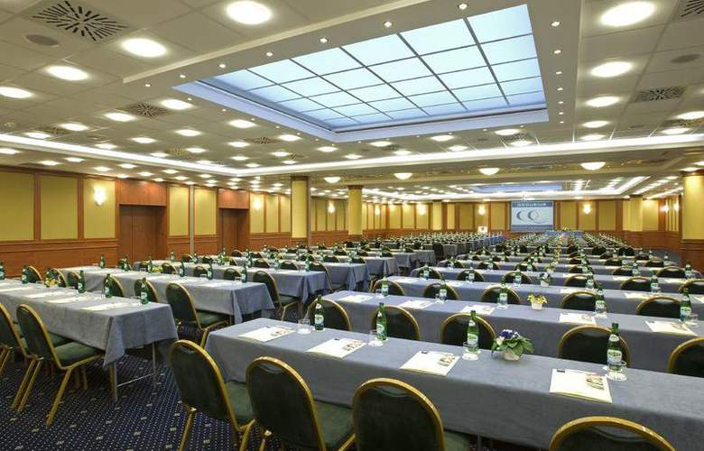 Hungaria City Center - Conference - 10