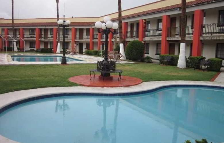 Colonial Ciudad Juarez - Pool - 9