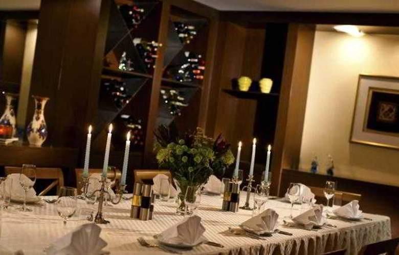 Renaissance Aktau - Restaurant - 17