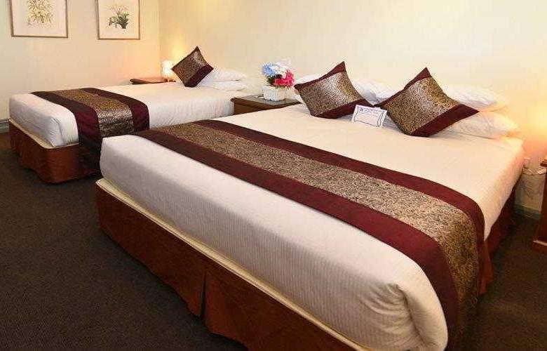 Best Western Twin Towers Inn - Hotel - 0