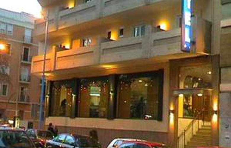 Vernisa - Hotel - 0