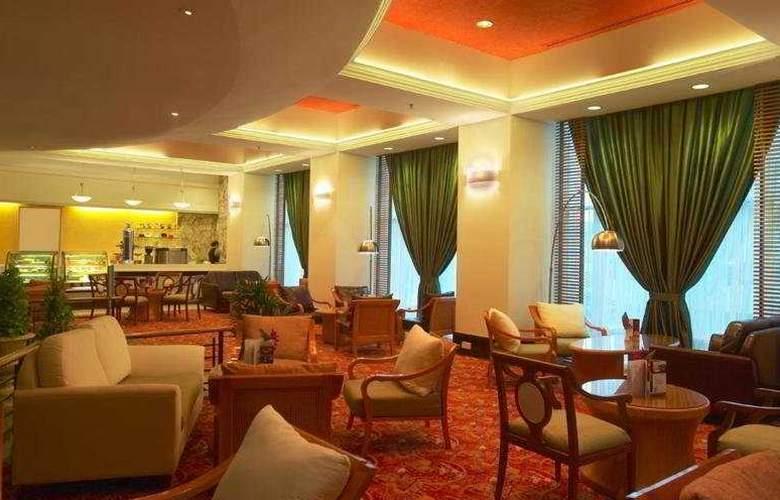 Hotel Royal Kuala Lumpur - Bar - 5