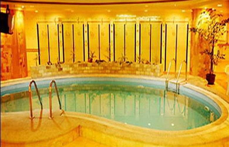 Delight - Pool - 4